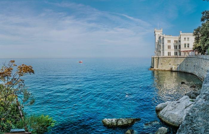 """Castello-Miramare-â€""""-Trieste-â€""""-Caporetto-700-x-450"""
